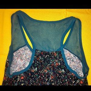 Mudd Tops - Beautiful multi colored floral tank top!🌸💥🦋😘